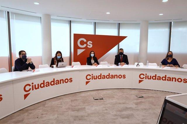 La presidenta de Cs, Inés Arrimadas, en una reunió del Comitè Permanent del partit a la seu de Madrid.