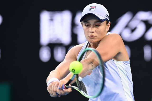 Ashleigh Barty of Australia in action during her 4th Round Women's singles match against Shelby Rogers of the United States of America on Day 8 of the Australian Open at Melbourne Park in Melbourne, Tuesday, February 2, 2021. (AAP Image/Dave Hunt) NO ARCH