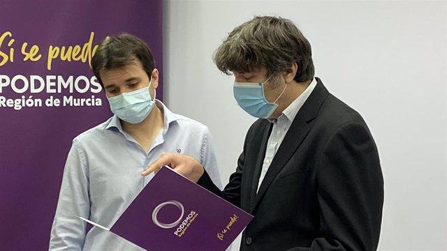 Javier Sánchez Serna, coordinador autonómico de Podemos Región de Murcia, y Rafael Esteban, diputado en la asamblea regional
