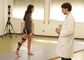 Foto: Los fisioterapeutas dicen que la fisioterapia controla y mejora las secuelas físicas de niños que han superado un cáncer