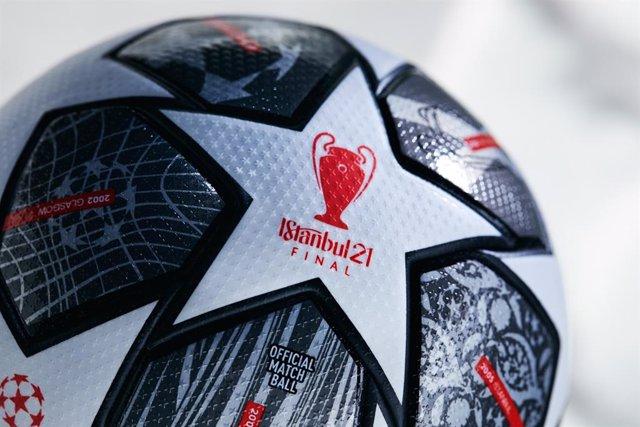 El Finale Istambul 21 de adidas, balón oficial de la final de la Liga de Campeones 2020-21.