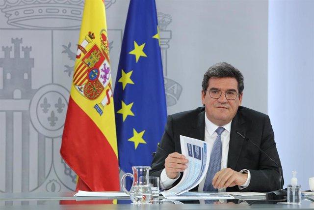 El ministro de Inclusión, Seguridad Social y Migraciones, José Luis Escrivá interviene durante la rueda de prensa posterior al Consejo de Ministros, en el Complejo de la Moncloa, en Madrid (España), a 2 de febrero de 2021.