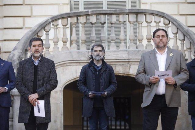 L'expresident de l'ANC i exdiputat de JxCat, Jordi Sànchez, el president d'Òmnium Cultural, Jordi Cuixart, i el líder d'ERC i exvicepresident del Govern, Oriol Junqueras. Catalunya (Espanya), 1 del febrer del 2021.
