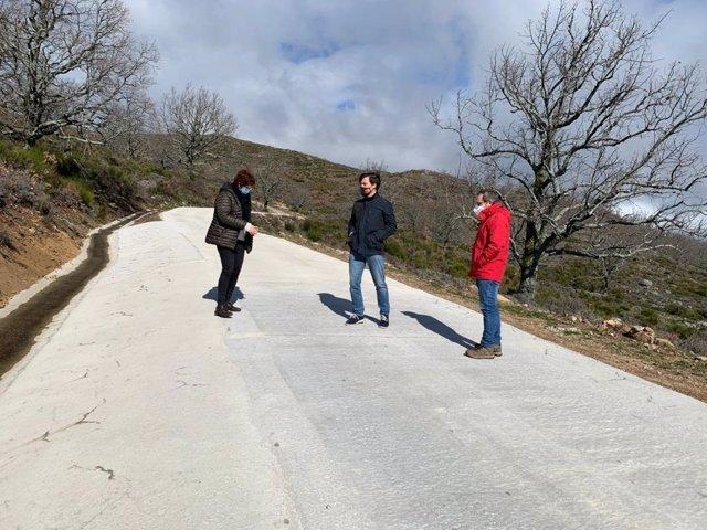 La Diputación de Cáceres mejora el acceso al Pico Pitolero, lugar de encuentro de aficionados al parapente
