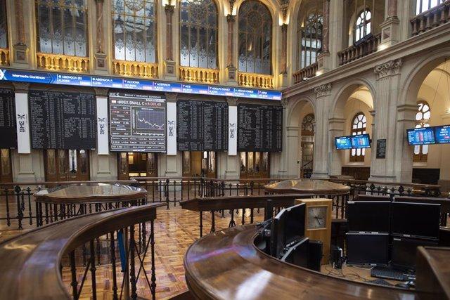 Interior del Palacio de la Bolsa, en Madrid, (España), a 22 de enero de 2021. Durante este viernes el Ibex 35 retrocedía un 1,6% en la media sesión, lo que ha llevado al selectivo a situarse en los 7.991,9 enteros a las 12.02 horas, pese al optimismo en W