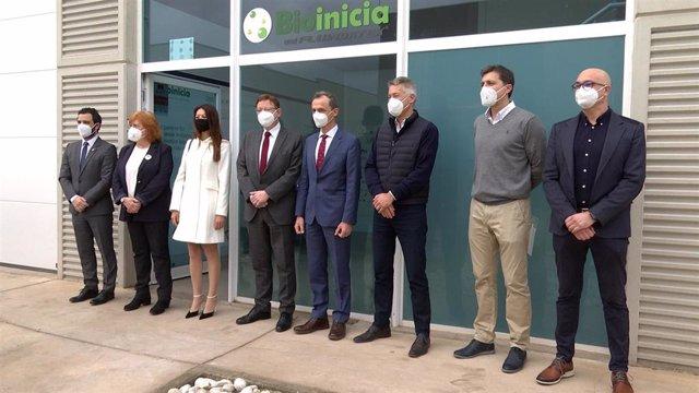 El ministro Pedro Duque y el President Ximo Puig visitan las instalaciones de BIOINICIA y su filial PROVEIL en Paterna (Valencia)