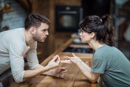 Las mujeres comprenden mejor que los hombres lo que otras personas piensan, según un estudio