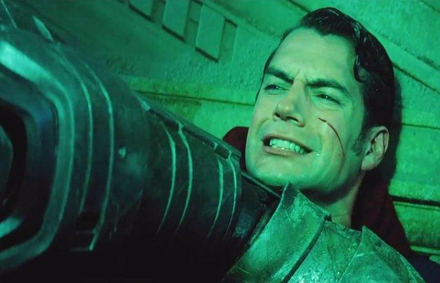 Zack Snyder defiende la escena más polémica de Batman v Superman