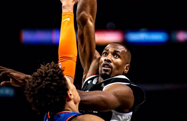 Ibaka anota con los Clippers