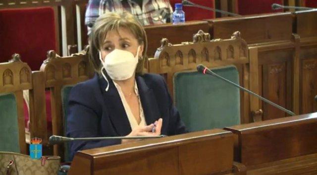 La Fiscal Superior María Esther Fernández  comparece en la Junta General.