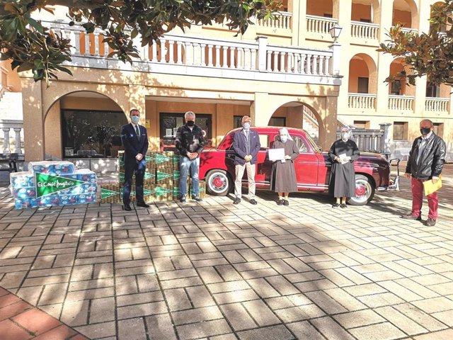 Entrega de la recaudación solidaria del Día del Guardia Urbano en Salamanca.