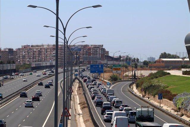 """Las carreteras de entrada y salida a Málaga, durante las primeras horas de la operación especial de tráfico """"15 de agosto"""", en la imagen la  Autovía del Mediterráneo. Málaga a 14 de agosto del 2020"""
