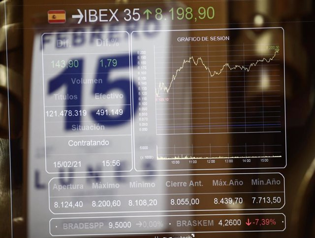 Panel en el interior del Palacio de la Bolsa, en Madrid, (España), a 15 de febrero de 2021.