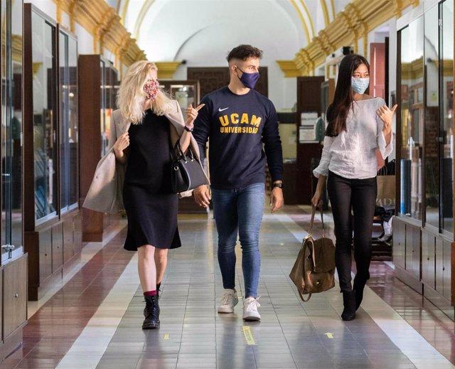 La UCAM consolida este curso su carácter internacional con alumnos de 102 países