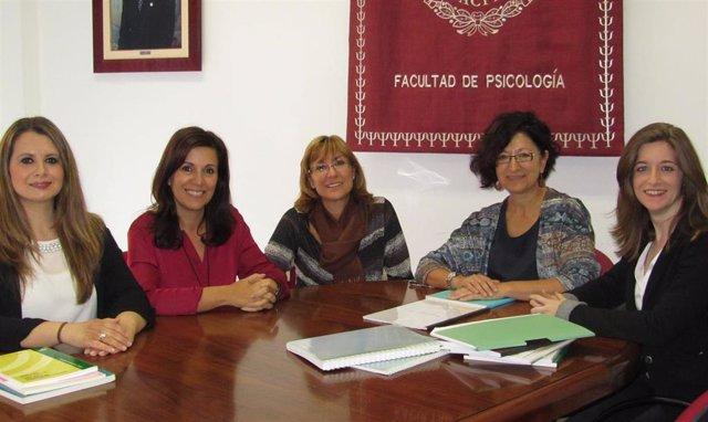 Grupo de investigadoras que han analizado los efectos del COVID en personas con dolor crónico