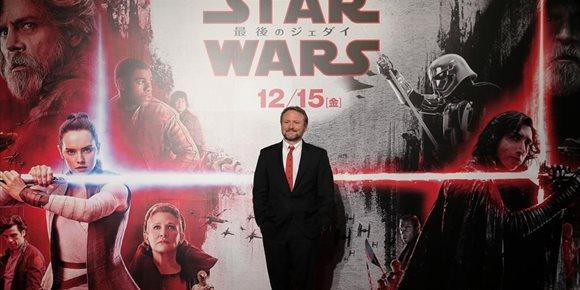 10. La nueva trilogía de Star Wars de Rian Johnson, director de Los últimos Jedi, sigue adelante