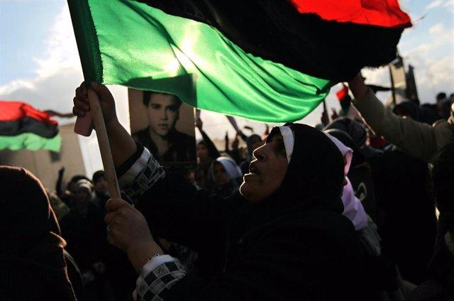 Manifestación en febrero de 2011 contra el entonces líder de Libia, Muamar Gadafi