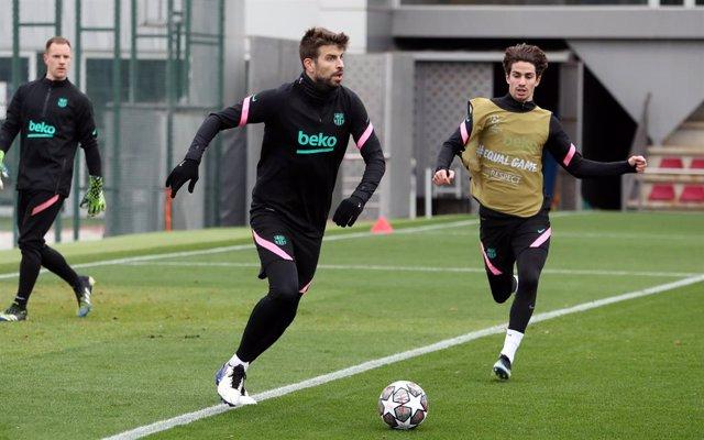 El jugador del FC Barcelona Gerard Piqué a la Ciutat Esportiva Joan Gamper