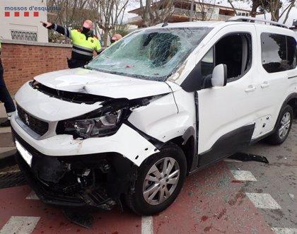 Detenido por conducción temeraria y provocar un accidente en Castelldefels (Barcelona)