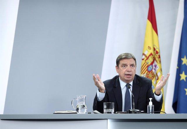 La ministro de Agricultura, Pesca y Alimentación, Luis Planas, comparece en rueda de prensa posterior al Consejo de Ministros en Moncloa,