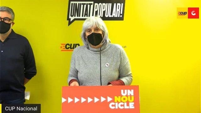 La candidata de la CUP, Dolors Sabater, juntament amb Carles Riera en una roda de premsa.
