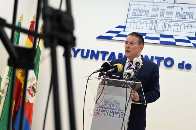 El alcalde de Linares, Raúl Caro-Accino.