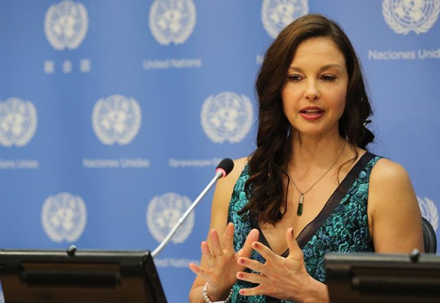 Ashley Judd speaks at a press conference held to announce her appointment as The UN Population Fund's