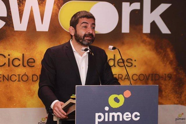 El conseller de Trabajo en funciones, Chakir El Homrani, presenta el ciclo de encuentros digitales sobre la reinvención del trabajo en la era Covid-19