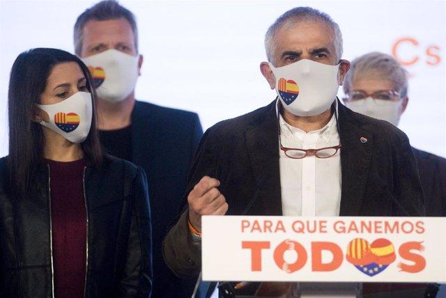 """Críticos de Cs piden sustituir a Carrizosa y ven a Arrimadas """"alejada de la realidad"""""""