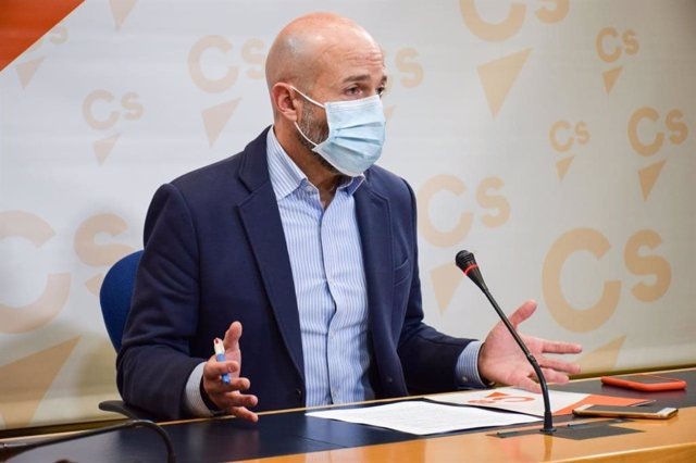 """Cs registrará """"en breve"""" una PNL en las Cortes para la implantación de la tarjeta sanitaria única"""