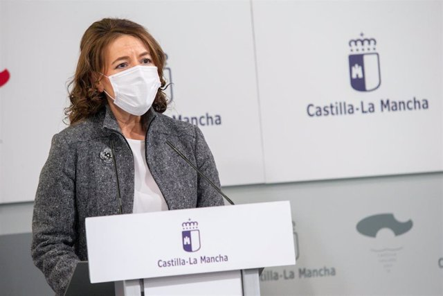La consejera de Bienestar Social, Aurelia Sánchez, en rueda de prensa