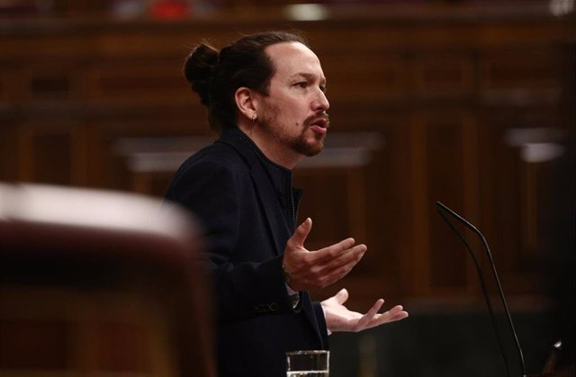 """Cs acusa a Iglesias de atacar a la prensa para tapar sus """"miserias"""" y este dice que es un poder sin control democrático"""