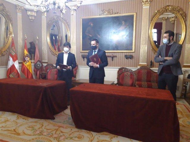 En el centro de la imagen, Daniel de la Rosa, alcalde de Burgos.