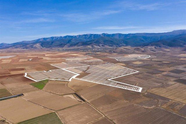 Archivo - Terreno donde se ubicará la planta fotovoltaica de Huéneja, Granada