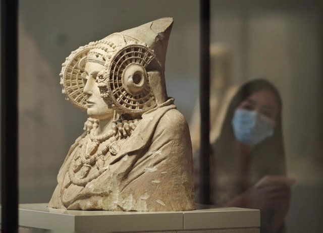 """Archivo - Cultura.- Un libro aporta nuevas hopótesis sobre la """"viajera"""" Dama de Elche y aborda su poder """"identitario"""""""