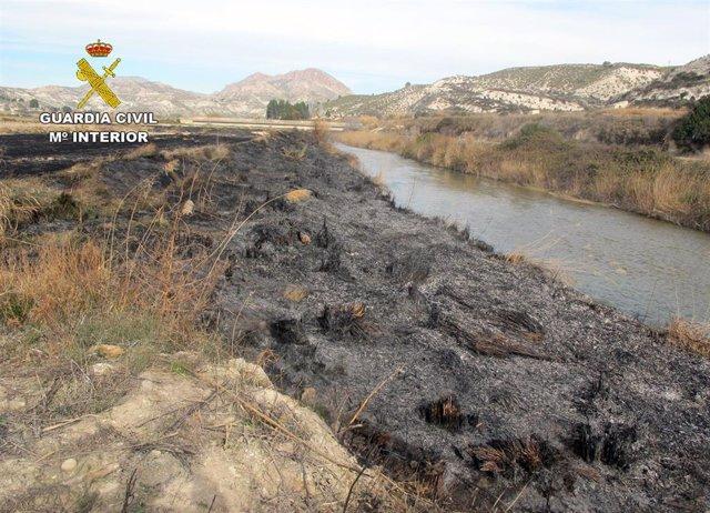 Sucesos.- Investigan a un vecino de Moratalla por originar un incendio forestal durante una quema de restos de paja