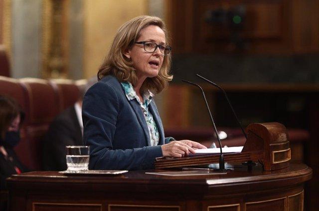 """BCE.- Calviño ve """"artificial y estéril"""" el debate de la condonación de deuda que piden desde PSOE y Podemos"""