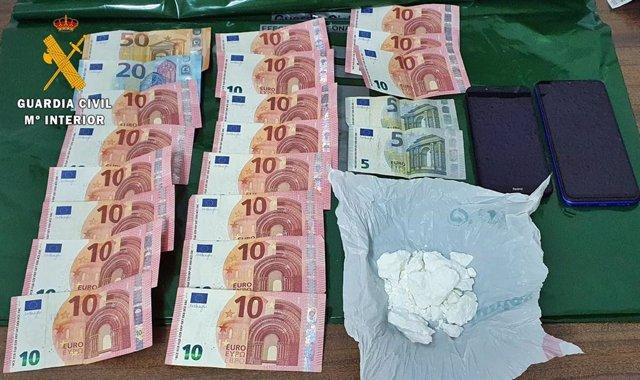 Sucesos.- La Guardia Civil detiene a un vecino de Don Benito (Badajoz) por tráfico de drogas