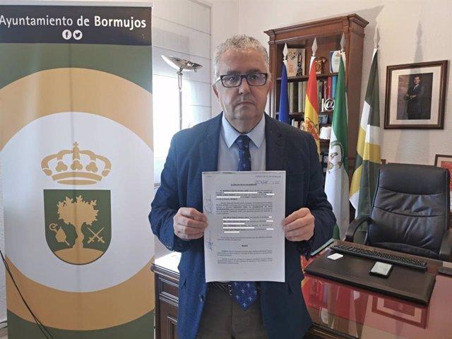 """Sevilla.- El alcalde de Bormujos insta a Romero a """"dimitir o rectificar"""" y le acusa de centrarse en """"ocupar el sillón"""""""