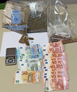 Córdoba.- Sucesos.- Detenidas dos personas acusadas de tráfico de drogas y defraudación de fluido eléctrico en Moreras