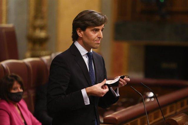 """Archivo - El PP dice que el gesto de diputados del PSOE de no aplaudir a Iglesias visualiza un Gobierno """"completamente fracturado"""""""