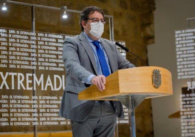 Coronavirus.- Extremadura vacunará a mayores de 80 años la próxima semana y a partir de marzo por grupos de edad
