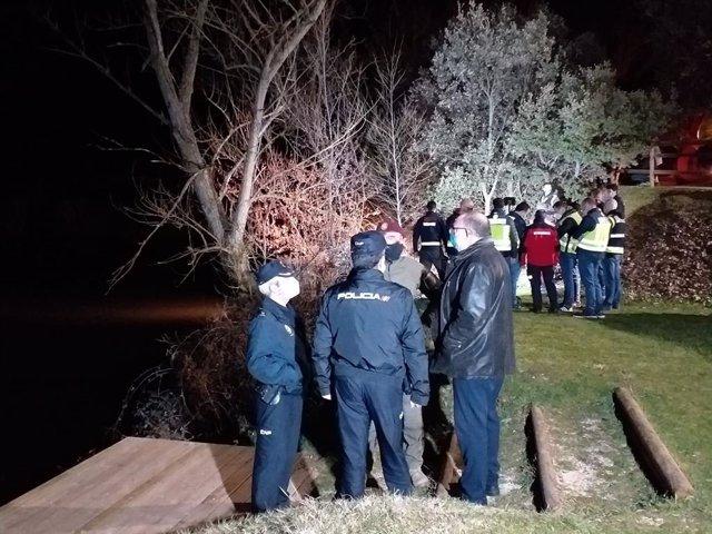 Sucesos.- El Grupo Especial de Operaciones de la Policía Nacional se suma a la búsqueda del joven en el Duero en Soria