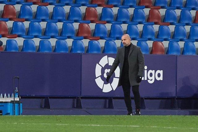 """Fútbol.- Paco López: """"De una forma o de otra el Atlético te somete"""""""