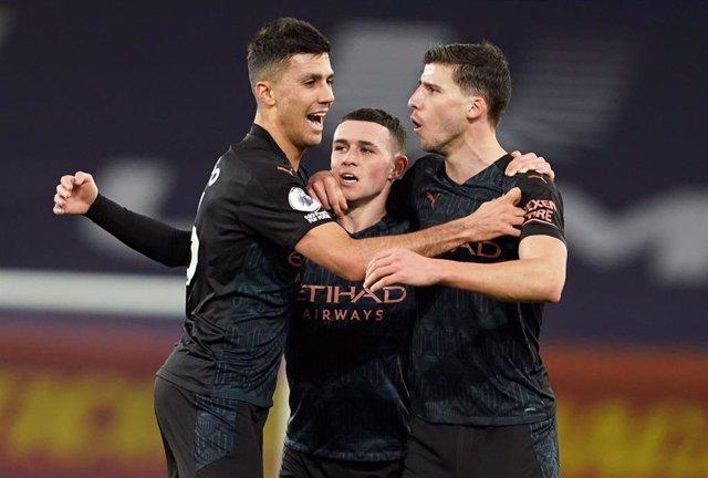 Fútbol/Premier.- El City abre brecha de 10 puntos
