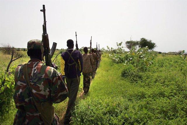 Archivo - Nigeria.- El director de la escuela atacada en el oeste de Nigeria confirma un alumno muerto y 42 secuestrados