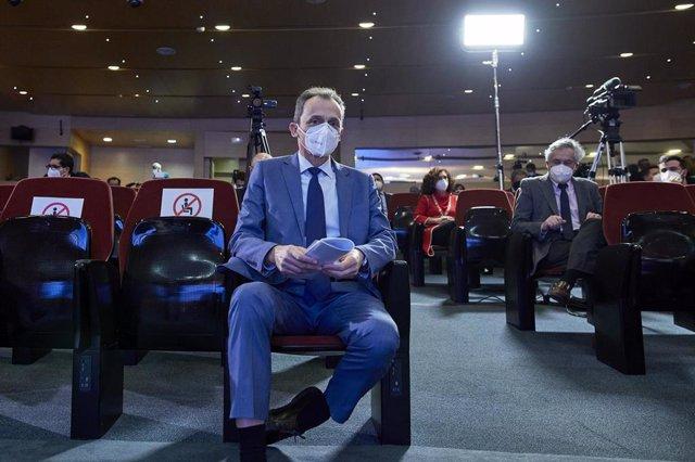 Cvirus.- Duque confía en que antes de mitad de año se estén probando las vacunas españolas en la población