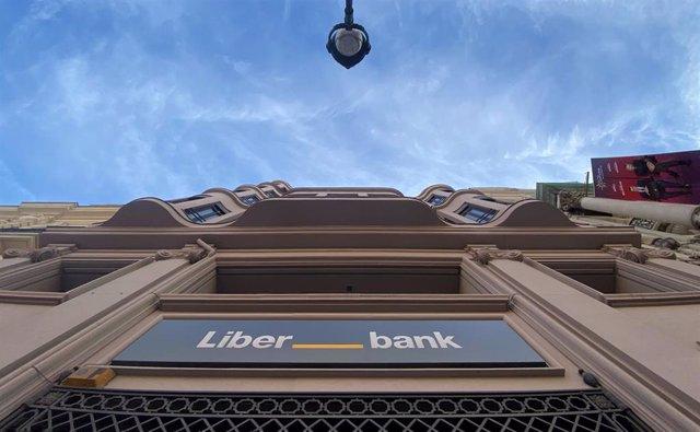 Archivo - Economía/Finanzas.- Liberbank lanza un iniciador de pagos para que sus clientes paguen con cuentas de otros bancos
