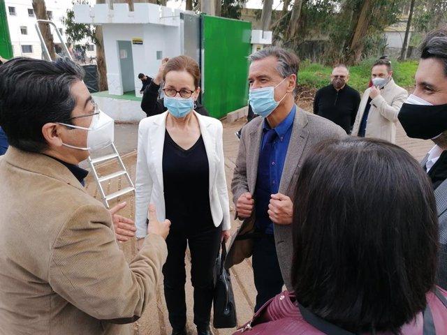 """Eurodiputado PSOE visita 'Las Raíces' y ve """"injusticia"""" que territorios fronterizos asuman la """"sobrecarga"""" de migrantes"""