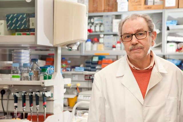 Cvirus.- El investigador del CSIC Vicente Larraga prevé que pandemia dure tres años pero la normalidad volverá en otoño